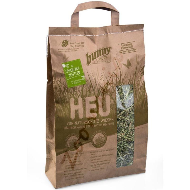 Качествено сено за гризачи обогатено с листа от глухарче и добито от защитени ливади