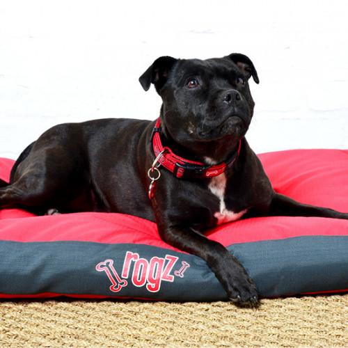 Rogz Flat Podz кучешки матрак - модна колекция Red Bones